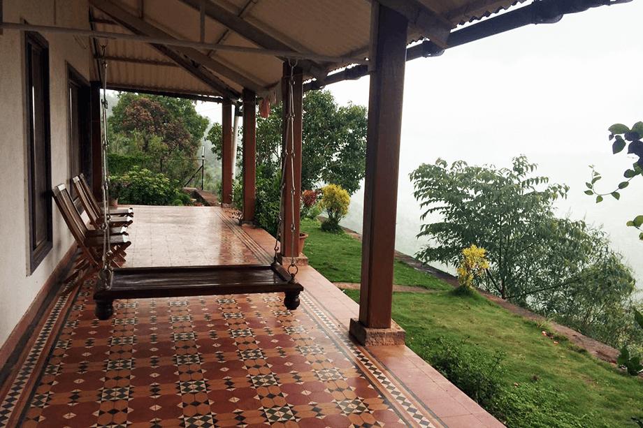 04-Monsoon-in-Panchgani-Hillstation