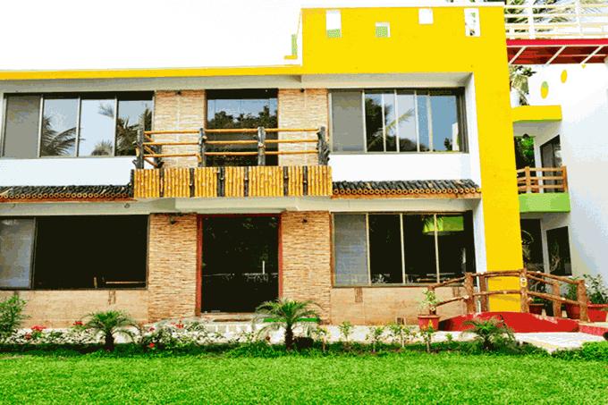 A Beach-side Inn & Resort