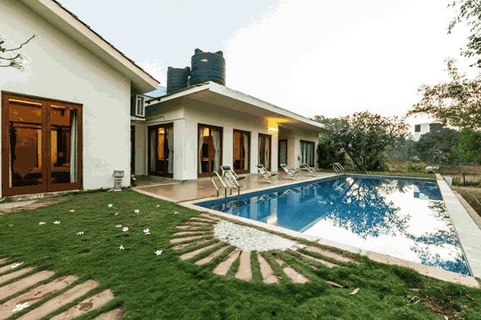 A Splendid 5BHK Villa with Swimming Pool in Alibaug