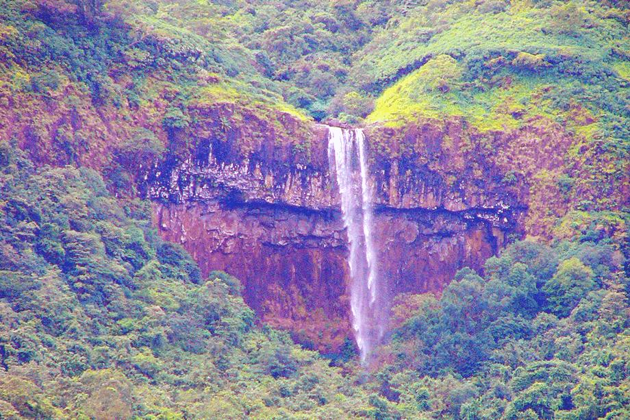 flowing-heart-waterfalls