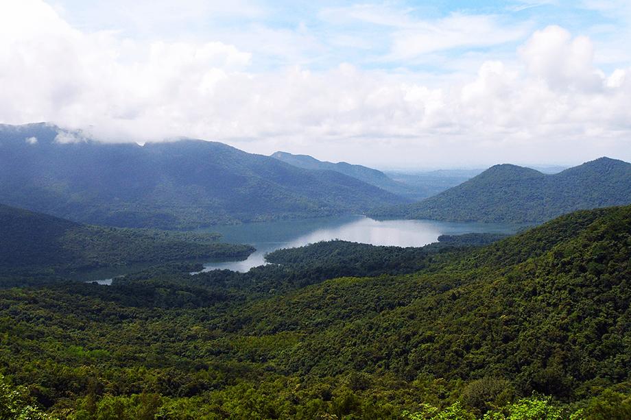 anjunem-lake-from-swapnagndha