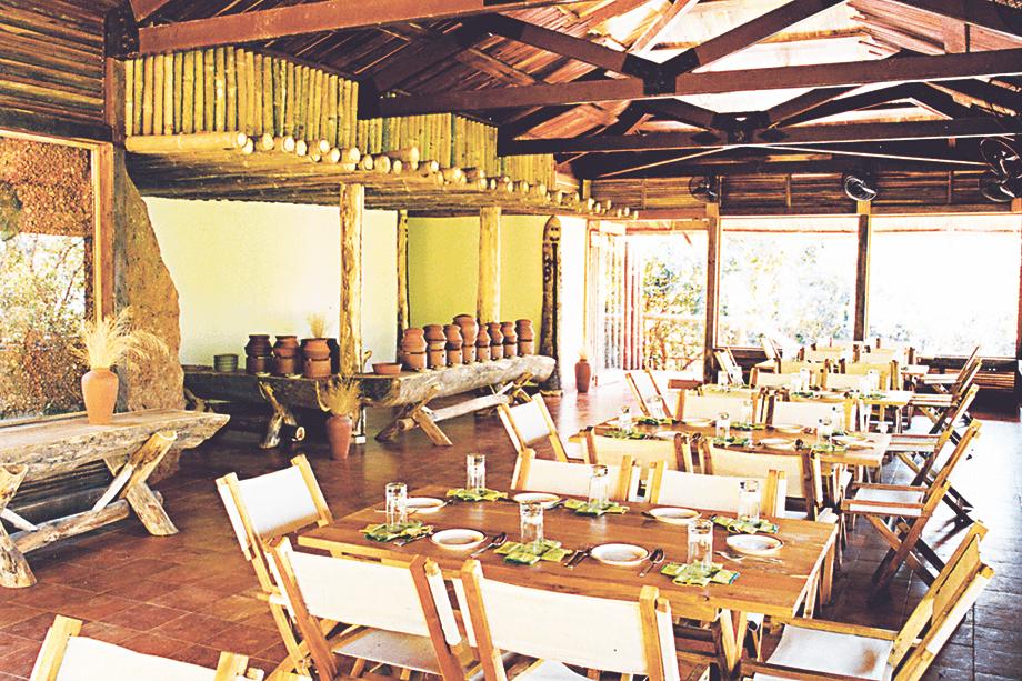 restaurant-interior-daylight