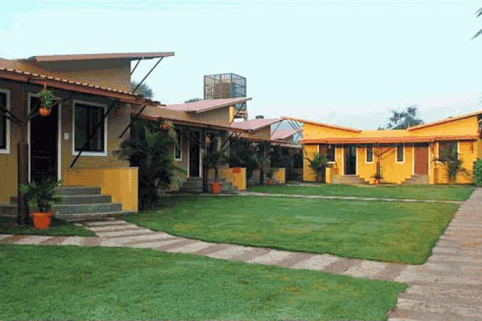Farm Cottages & Royal Tents