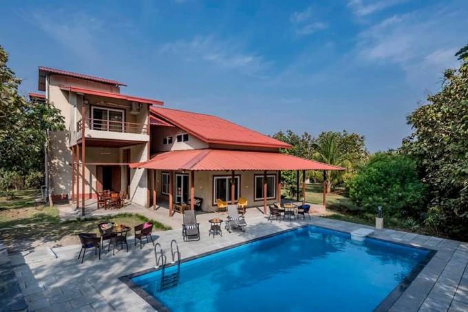 6 BHK Pet-friendly Villa with Pool in Karjat